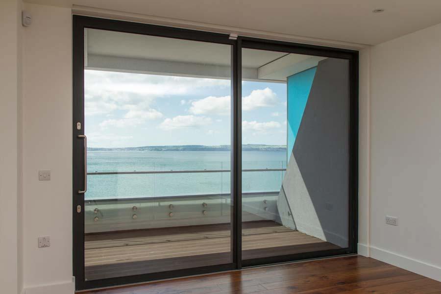 sliding-aluminium-doors-visoglide-plus-feat-img