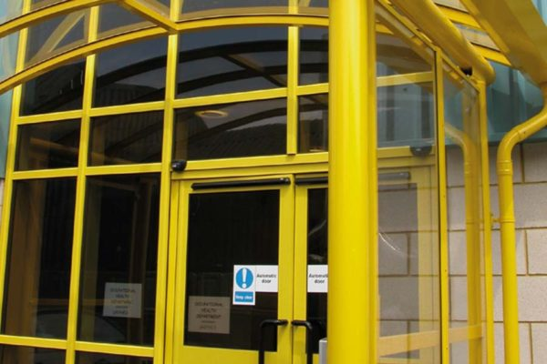 bright yellow application of smarts commercial aluminium shopline system