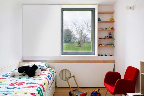 cor-7-hidden-sash-window-bedroom