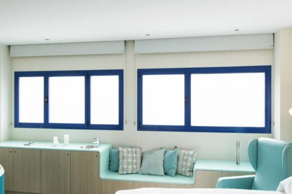 cor-70-hidden-sash-system-interior-hospital-windows